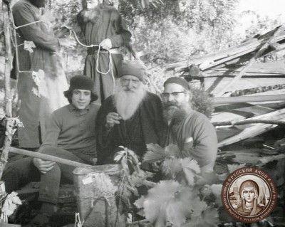 Прп. Паисий Святогорец и Русский афонский старец Тихон (Голенков), 1966 г.