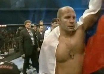 Русский православный боец победил наглого негра