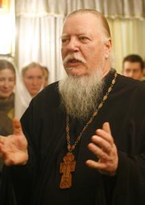 Протоиерей Дмитрий Смирнов считает, что иностранцы не должны усыновлять российских детей