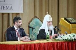 Святейший Патриарх Кирилл: СМИ становятся полем, где разворачивается битва за умы и сердца наших современников, и эту битву мы не имеем права проигрывать
