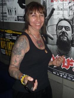 Лидер группы Soulfly проведал тетушку в Омске