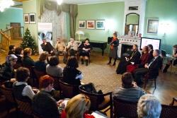 """В библиотеке искусств им. А.П. Боголюбова прошла презентация книги """"Жить со смыслом. Как обретать помогая и получать отдавая"""""""