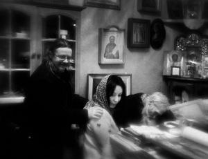 Инок Илий с келейником и духовной дочерью за беседой в резиденции патриарха в Переделкине