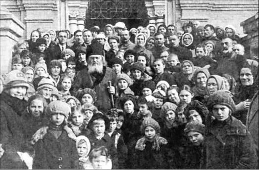 Владимир БУДАНОВ, Священник Игорь ЗАТОЛОКИН. Святитель Лука (Войно-Ясенецкий): крестом и скальпелем