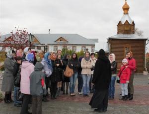 В Покровском Александра Невского женском монастыре побывал Коллектив Конгресс-Отеля «Новосибирск»