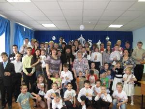 В праздник Пасхи епископ Филипп встретился с детьми-сиротами