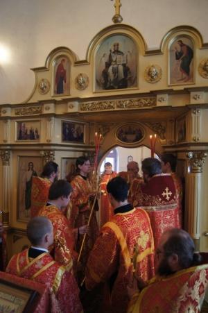Преосвященный Лука, Епископ Искитимский и Черепановский совершил Божественную литургию в храме во имя преподобного Алексия, человека Божия в Мошково