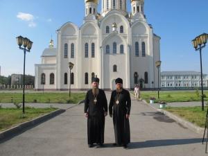 С епископом на Святой источник
