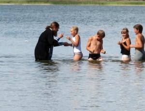Крещение детей в Благодатном озере