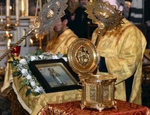 В Новосибирскую епархию прибыл ковчег с частицей мощей Святителя Иоасафа, епископа Белгородского