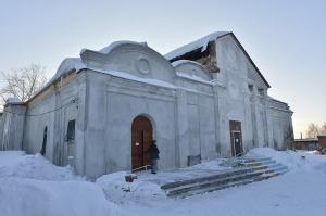 В Колывани освящен придел храма Живоначальной Троицы