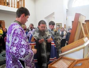 Встреча крестного хода в Карасуке и освящение антиминсов