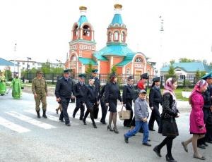 Крестный ход с пограничниками в Карасуке
