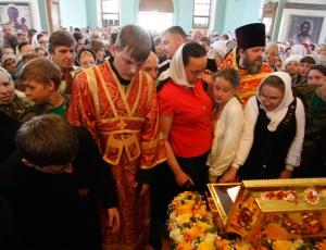7 июня 2013 года, в Новосибирск, на станцию «Новосибирск-Главный», прибыл Крестный ход с частицей мощей святого равноапостольного великого князя Владимира