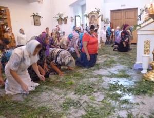 Праздничное богослужение в Кафедральном соборе г. Карасука накануне дня Святой Троицы