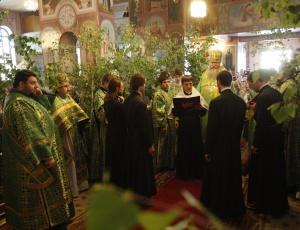 Божественная литургия в день Святой Троицы в Вознесенском кафедральном соборе