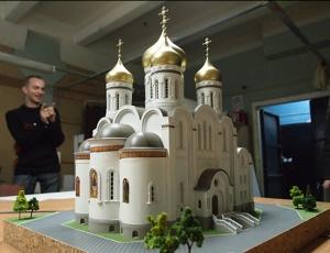 Религия в светских СМИ: чем Церковь отличается от Большого театра?
