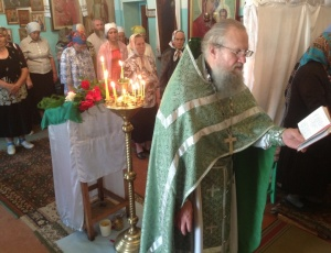 Архиерейская служба в храме преподобного Сергия Радонежского с. Безменово