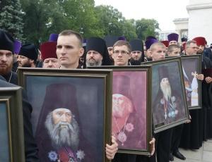 Патриарх Кирилл в Молдове: молитва в ответ на провокации