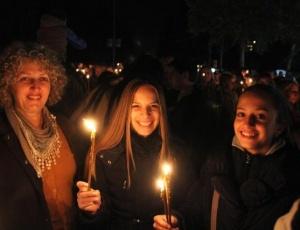 """Гости и паломники города Ниша провели акцию """"и Я - часть креста"""" (+фото)"""