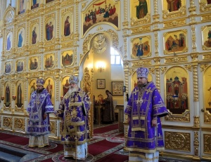 По приглашению митрополита Вениамина епископ Филипп и епископ Николай посетили Приморскую митрополию