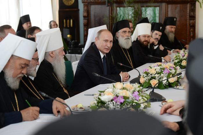 Стенограмма встречи Президента России В.В. Путина со Святейшим Патриархом Кириллом, постоянными членами Священного Синода Русской Православной Церкви