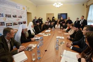 Патриарх Кирилл: Воскресные школы должны мобилизовать детей и соответствовать их интересам