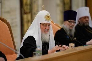 Священническая хиротония может совершаться только над лицами с полным семинарским образованием