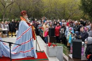 В День Победы на Монументе славы Новосибирска почтили память погибших воинов