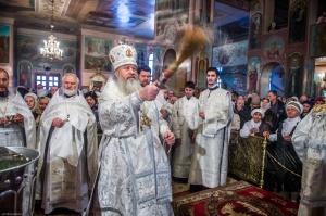 В праздник Крещения Господня Митрополит Тихон совершил Литургию и чин Великого освящения воды в Вознесенском кафедральном соборе