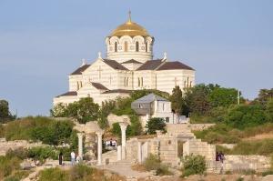 Ситуации Исаакиевского собора и объектов в Херсонесе совершенно разные