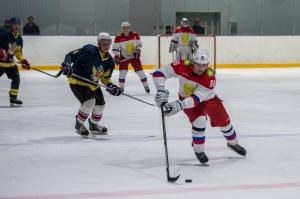 В Новосибирске продолжается турнир по хоккею на «Кубок во имя Георгия Победоносца»