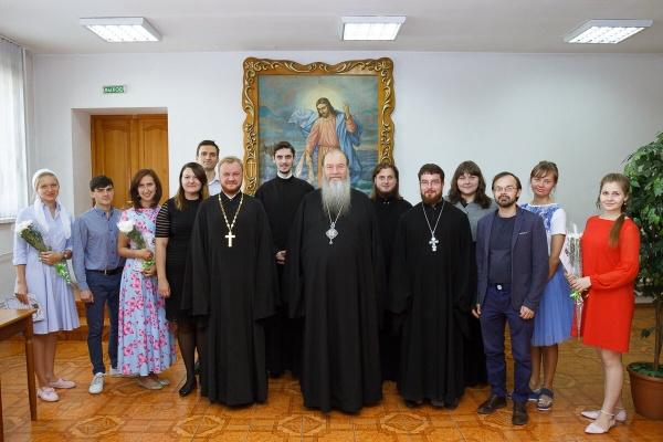 Митрополит Тихон поблагодарил православную молодежь за организацию праздника в День семьи и верности